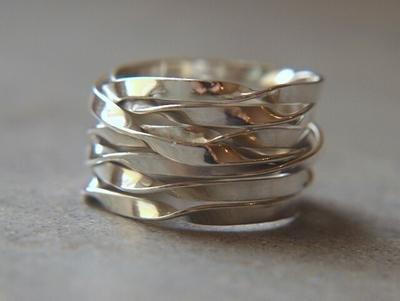 24b4159e9ebd silverring alhambra finns på PricePi.com.